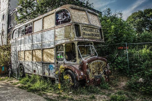 walter-02-bus1481155E-0F21-A304-AAA5-1CEBF1EED4EA.jpg