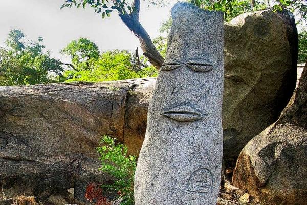 kunst-05-baobab-geist7082F4F3-AB15-94C4-A27F-21BDE08F1884.jpg