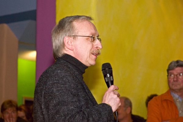 wollenberg-vernissage-2010-mg-4829A2471D71-9FCC-8FB1-E114-76A1FBA4ED89.jpg
