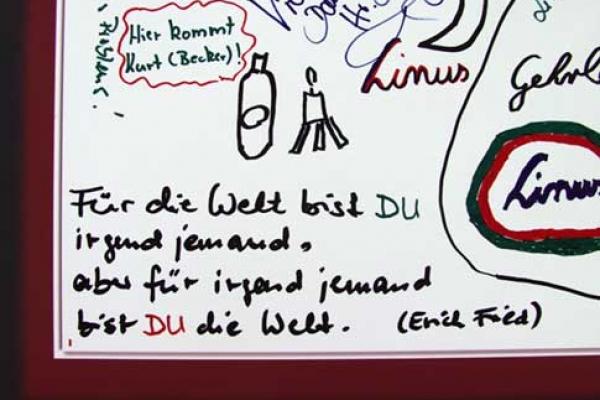 visitors-graffiti-12EBFF4F43-6305-A6FF-F184-C2E92FDC349A.jpg