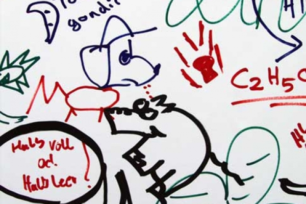 visitors-graffiti-136441D686-0FE6-085A-9659-DE403E5C81A0.jpg